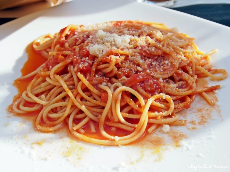 Spaghetti with Tomato Sauce at Bar Flora Di Mariani Paola in Bergamo