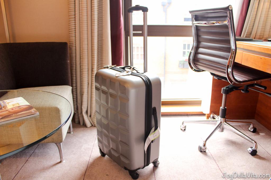 Review Primark Suitcase In Size M Joy Della Vita Travelblog