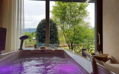 Nourishing whey bath Bergwiesen Spa wellness area Lindner Hotel Oberstaufen - JoyDellaVita.com