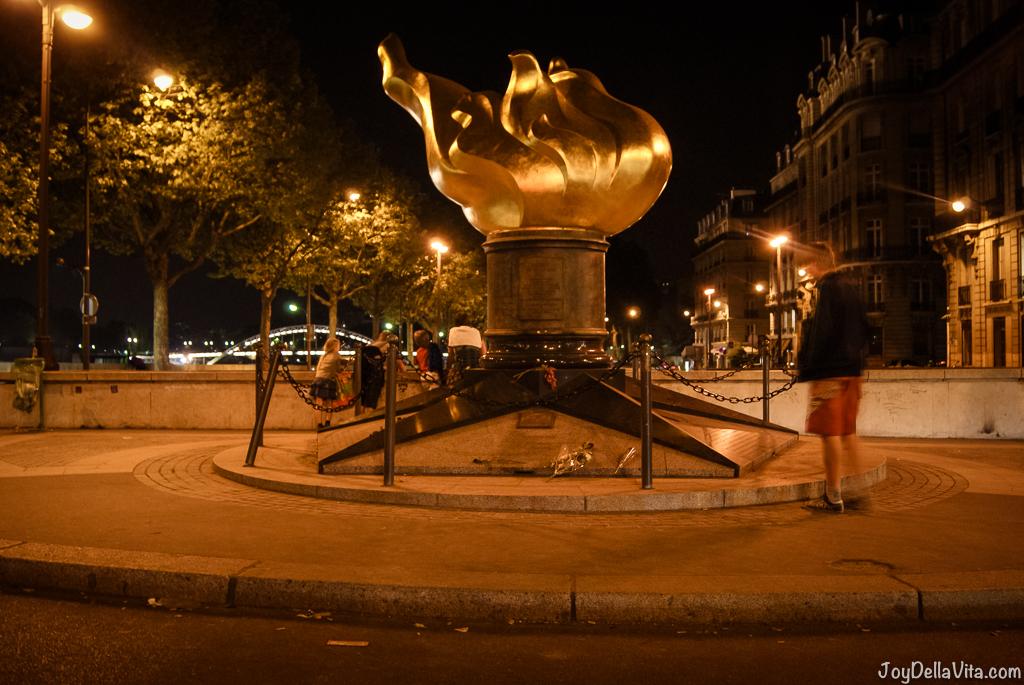 Visiting Flame of Liberty, the Diana Memorial in Paris