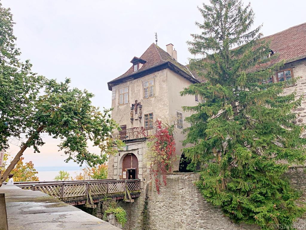 A guided visit to / inside Meersburg Burg / Old Castle Museum