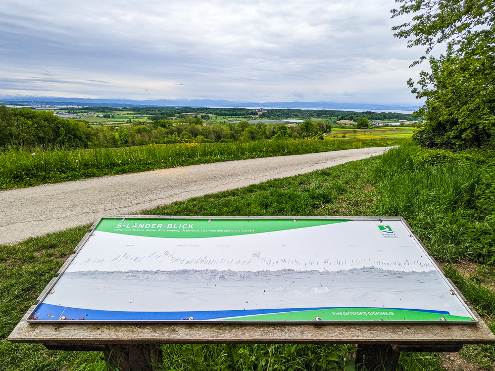 Hike to the 5-country view on the Gehrenberg with a view of Lake Constance
