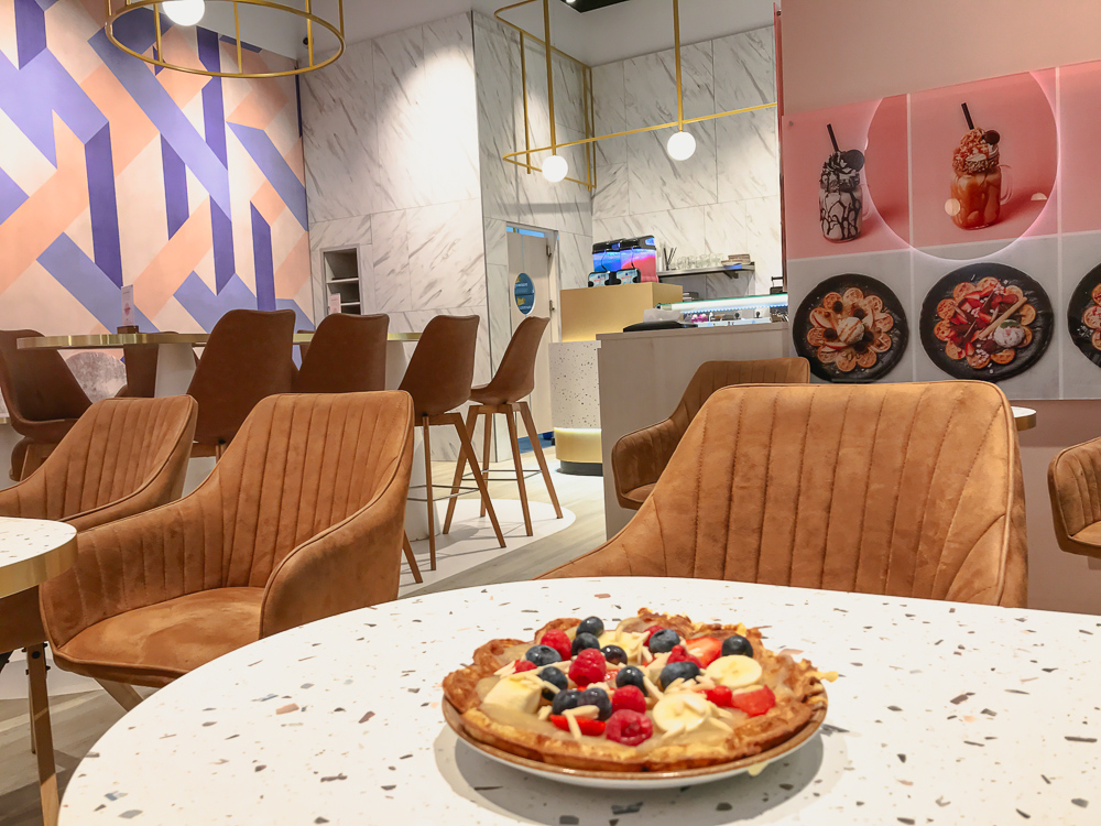 Healthy Hot Waffles at Cafe Mamalicious in Brehna TheStyleOutlets Halle Leipzig blog joydellavita