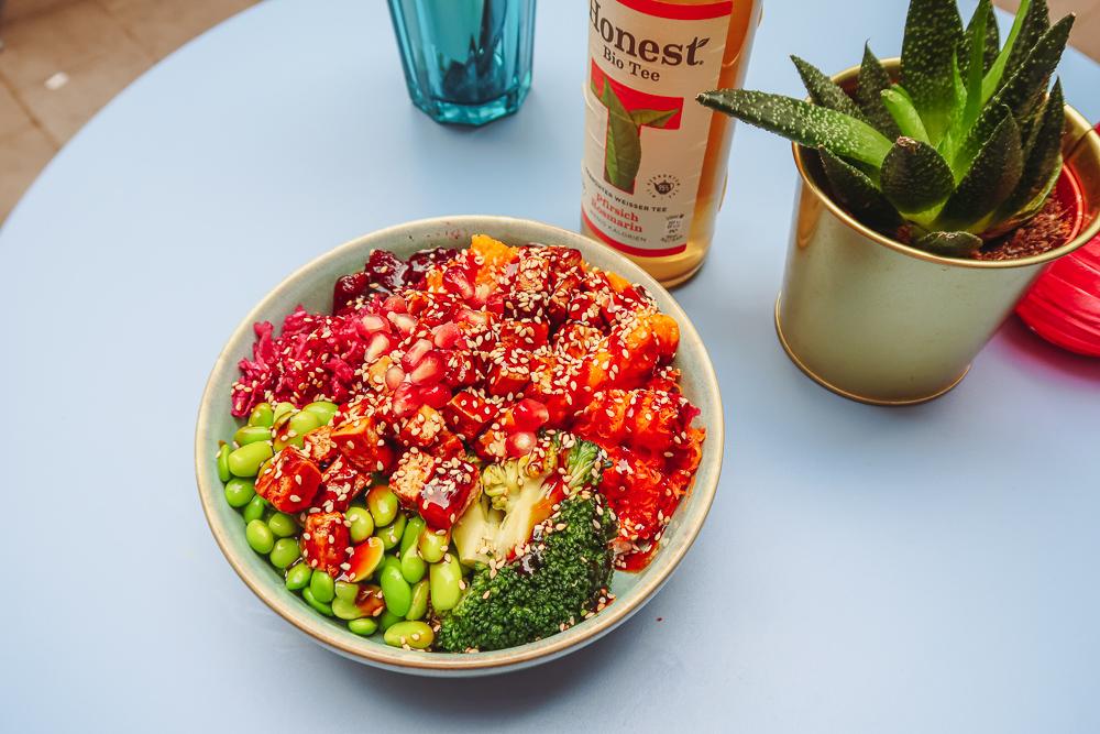 Vegan Tofu Poke Bowl in Hamburg