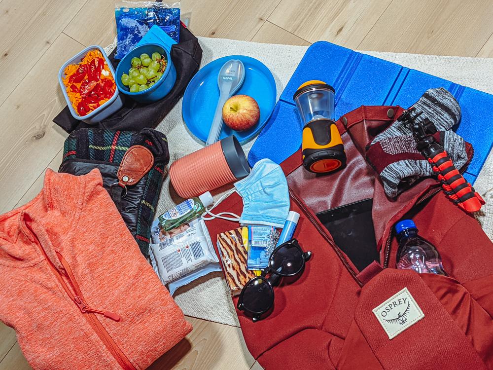 What pack after-work hiking picnic trip travel blog joydellavita